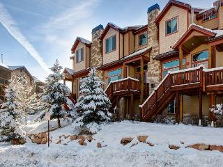 5BR/3.5BA Mountain Townhome with Hot Tub, Park City, Sleeps 10