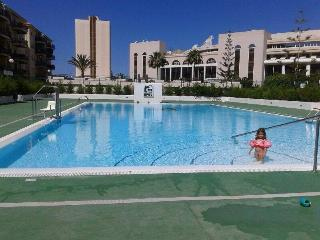 NICE 3 BEDROOM APARTMENT IN FRONT OF THE BEACH, Los Cristianos