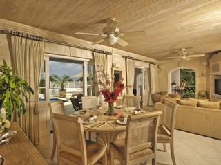 Luxury 3 Bedrooms Villa on West Coast with Private Swimming Pool ~ RA52493, Porters