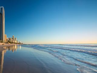 Soul Luxury Beachfront 3 Bedroom Surfers Paradise