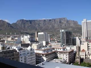 Modern Luxury 2 bedroom apartment  with stunning v, Cape Town Central