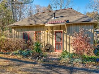 Red Bud Cottage, Asheville