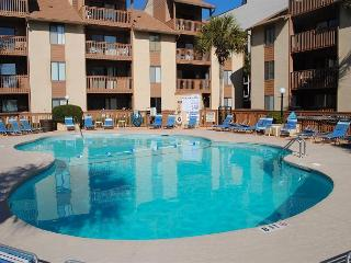 Nice, Peaceful, Convenient  2Bed/2Bath on Ocean Blvd, Myrtle Beach #201