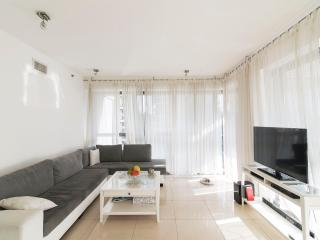 2 BR Ramat Gan Business District Gem