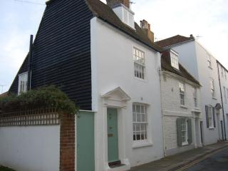 An idyllic coastal cottage, yards from the beach, Deal