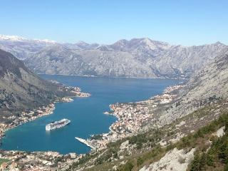 Two bedroom Apartment overlooking Kotor Bay, Muo