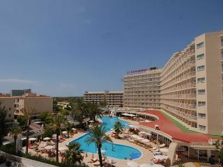 MAGALUF CENTER MODERN APARTMENT, Magaluf