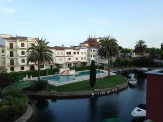 TRES BEL APPARTEMENT EMPURIABRAVA PISCINE, Empuriabrava