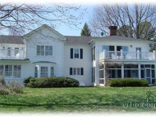 Historic Waterfront Property with Wi-Fi and Dock, Saint Michaels