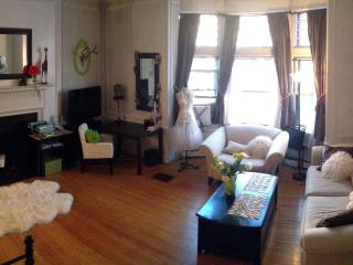 PERFECT BACK BAY LOCATION - Hot Bkfst+Laptop+Phone, Boston