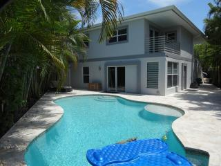 Middle River Landing, Wilton Manors