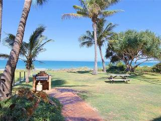 'Horizons' Unit 3 & 3A - Beachfront Unit, Bargara