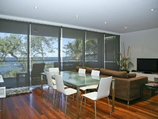 'Rockpools' Unit 4, Bargara