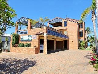 'Horizons' Unit 4 - Beachfront Unit, Bargara