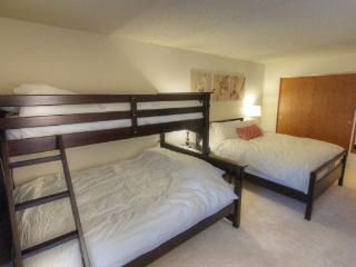 BE308A Hotel Room - Center Village, Copper Mountain