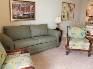 Pet Friendly 2 Bedroom at on the 11th Floor at Grand Panama Resort, located not far from Shipwreck Island Waterpark!, Panama City Beach