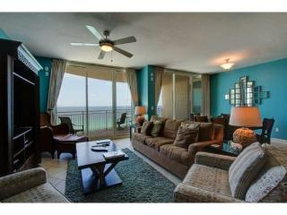 Get FREE BEACH CHAIR SERVICE with our Spacious 3 Bedroom with THREE Full Bathrooms at Luxurious Aqua Resort, Panama City Beach