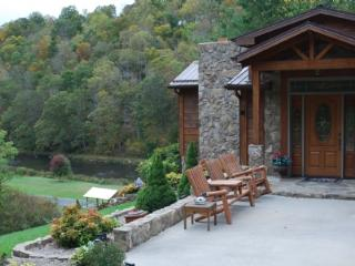 River Hill-River Access_pool table_mtn views_fireplace_flatsceen TVs, Crumpler