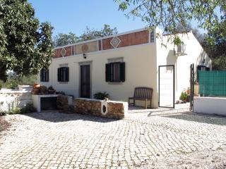 Casa Rosa - a traditional cottage in the Algarve, Loule