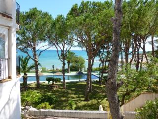 Quaint apartment 50 metres to the sea, Peniscola