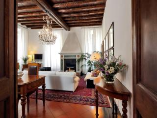 Rome Luxury Apartment: Leone 3