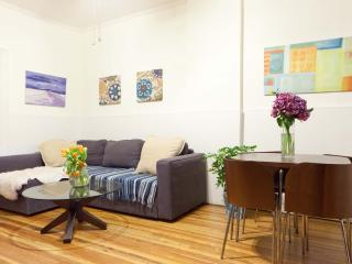 That 70's Space - Private 3bedrooms, Long Island City