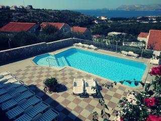 Dream View apartment with swimming pool 1, Cavtat