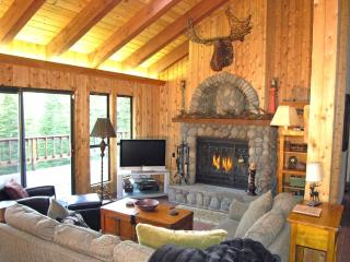 Woodcrest Cabin - Hot Tub, Game Room Dog Friendly, Tahoe Vista