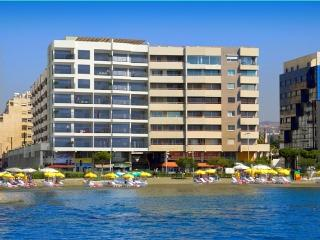 Limassol: New Seafront Apartment 3 Bedr. Pool, Gym