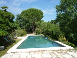 Charming country house in Fontès, Languedoc-Rousillon, with beautiful pool and garden, Fontes