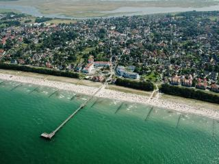 Idyllic apartment by the Baltic Sea with lovely terrace, Zingst