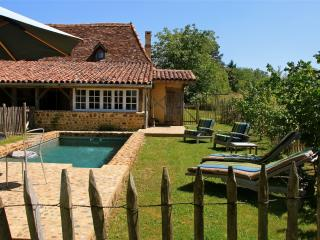 Enchanting country house in Malaussanne, in the Pyrenées-Atlantiques, with pool