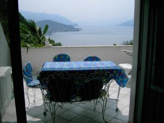 Fabulous flat in Luino, with terrace and views of Lago Maggiore
