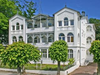 Enchanting studio apartment in Ostseebad Sellin, by the Baltic Sea, Ostseebad Baabe