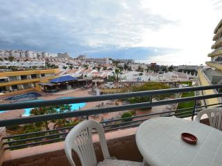 Centrical Playa Fanabe apartment with ocean views, Playa de Fañabé