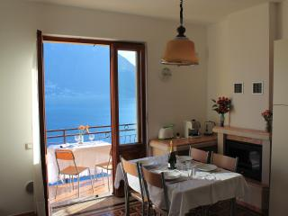2 Bedroom Apartment With Fantastic Views Colonno