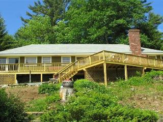Excellent beach access home on Lake Winnipesaukee (SOR7B), Meredith