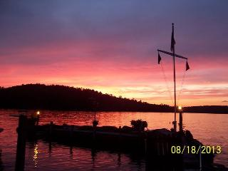 Cabin Vacation Rental on Mink Island on Lake Winnipesaukee (KNO09I), Gilford