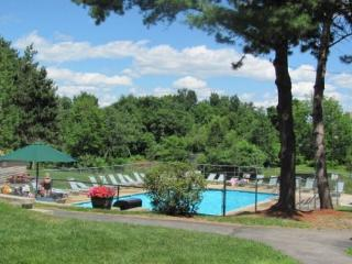 Convenient Weirs Beach Access Great for Bike Week, Sleeps 6 (AMA1023Bf), Laconia