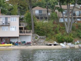 Walking Distance to Meredith on Lake Winnipesaukee (WRI59W)
