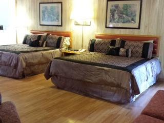 Deluxe Family Suite (room 15), Fort Bragg
