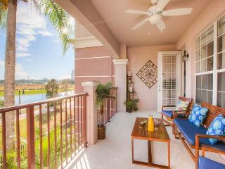 New 3BD condo with stunning view!!!, Orlando