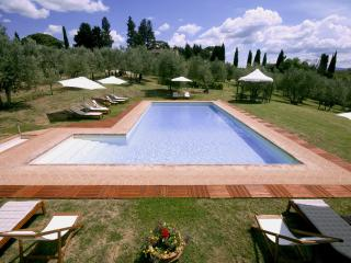 Farmhouse in a traditional Tuscan country Villa, San Casciano in Val di Pesa