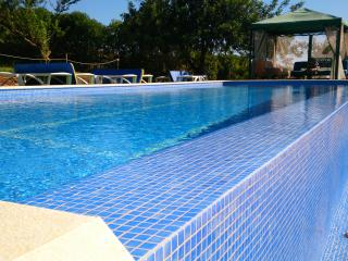 COUNTRY COTTAGE AIR CONDITIONED -GREAT POOL  DG 3, Alcantarilha