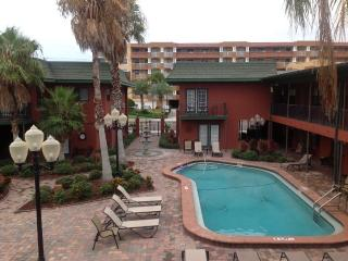 Cozy Balcony Studio, Pleasant Ocean & City View, Redington Beach