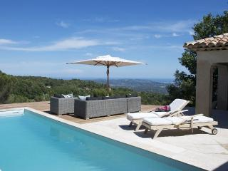 La Villa Luciole, Charming Vacation Home with a Pool and WiFi, Cabris
