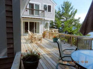 Lake Winnipesaukee- Upscale 3+-bdrm contemporary, Wolfeboro
