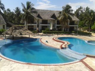 White Rose Beach Hotel, Bwejuu