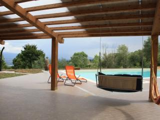 Tuscany countryside Arezzo,swimming pool, riding, Capolona