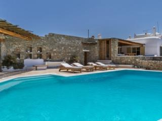 Spectacular 5 Bedroom Villa in Mykonos